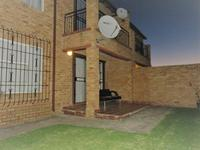 Property For Rent in Honeydew, Roodepoort